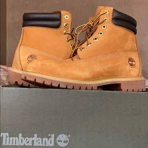 Size 10.5 Original Timberland wheat Boots